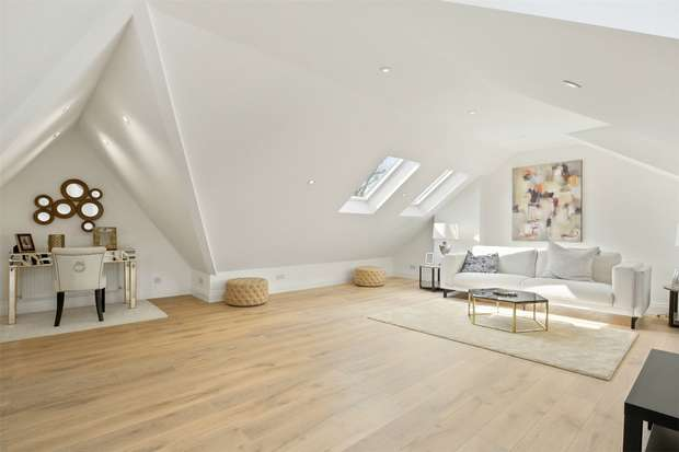 2 Bedrooms Flat for sale in Avenue Gardens, Acton