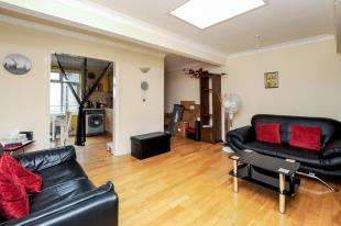 1 Bedroom Flat for sale in London Road, Croydon