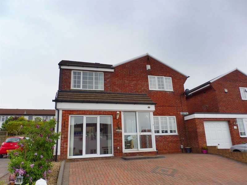 3 Bedrooms Detached House for sale in Dovey Close, Barry