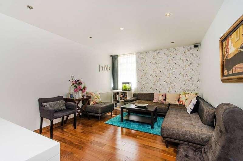 3 Bedrooms Flat for sale in Hanger Lane