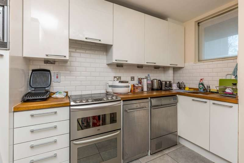 3 Bedrooms Flat for sale in Purchese Street NW1