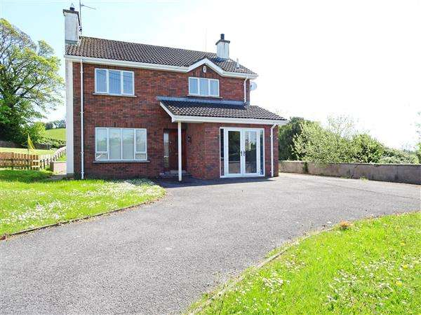 3 Bedrooms Detached House for sale in 19 Cherryhill