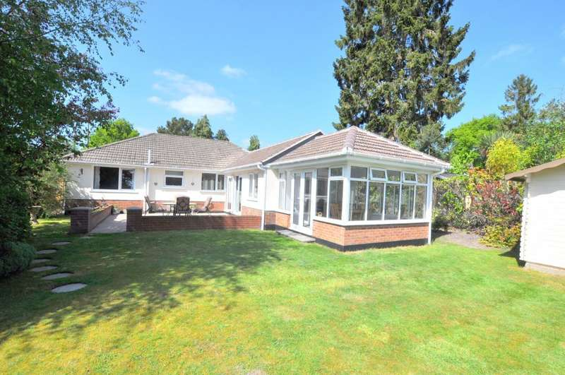 3 Bedrooms Detached Bungalow for sale in Sandy Lane, St Ives, Ringwood, Hampshire, BH24 2LG