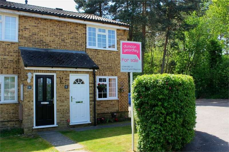 2 Bedrooms End Of Terrace House for sale in Crofton Close, Forest Park, Bracknell, Berkshire