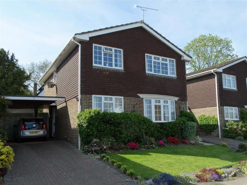 4 Bedrooms Detached House for sale in South Lodge Close, Burgess Hill