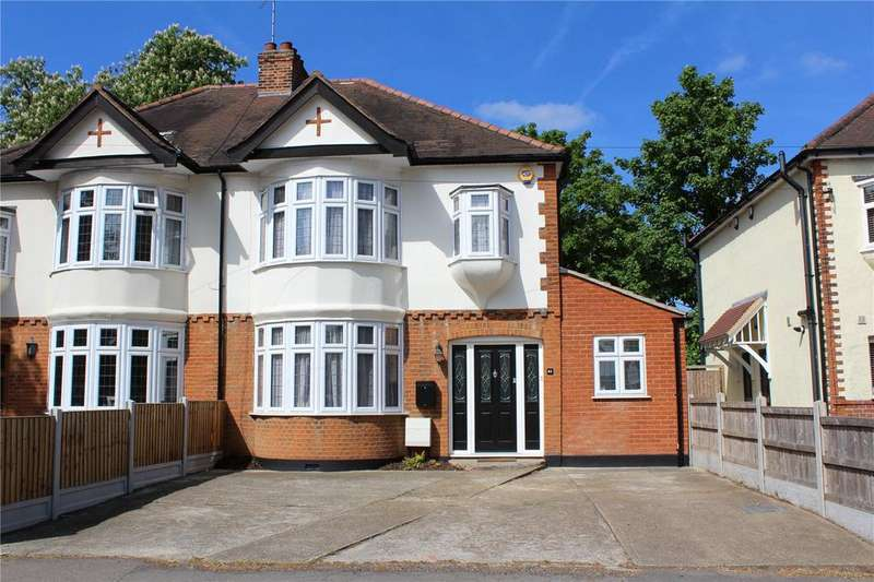 3 Bedrooms Semi Detached House for sale in Billet Lane, Hornchurch, RM11