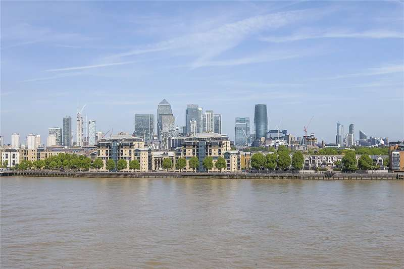 2 Bedrooms Flat for sale in Thistley Court, Glaisher Street, London, SE8