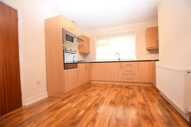 3 Bedrooms Semi Detached House for sale in Waincliffe Crescent, Leeds, West Yorkshire, LS11