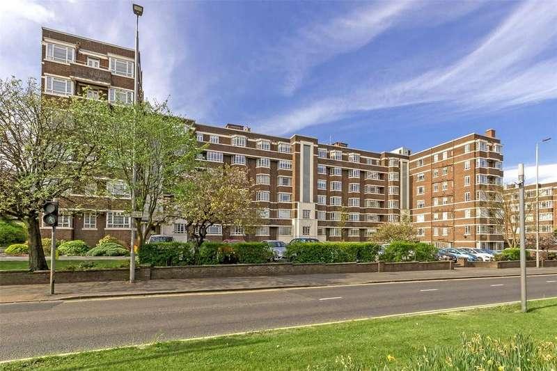 3 Bedrooms Flat for sale in 44 Kelvin Court, Anniesland, Glasgow, G12