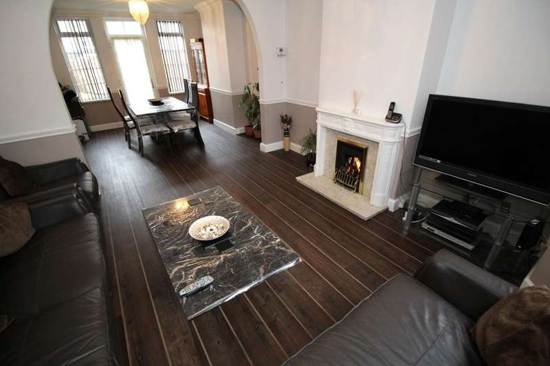 3 Bedrooms Semi Detached House for sale in Honey Hill Road, Bedford, MK40
