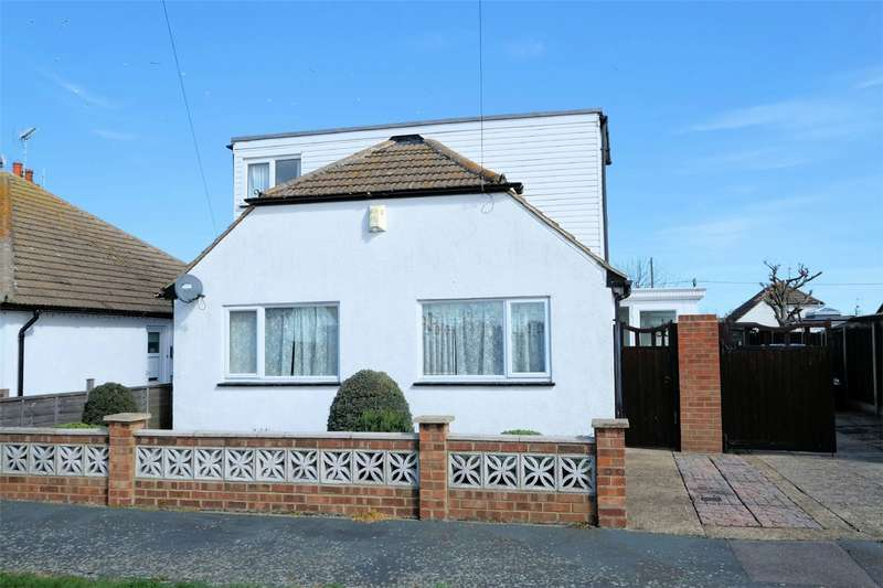 3 Bedrooms Detached Bungalow for sale in Russell Drive, Swalecliffe, WHITSTABLE, Kent