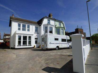 8 Bedrooms Semi Detached House for sale in Gosport, Hampshire