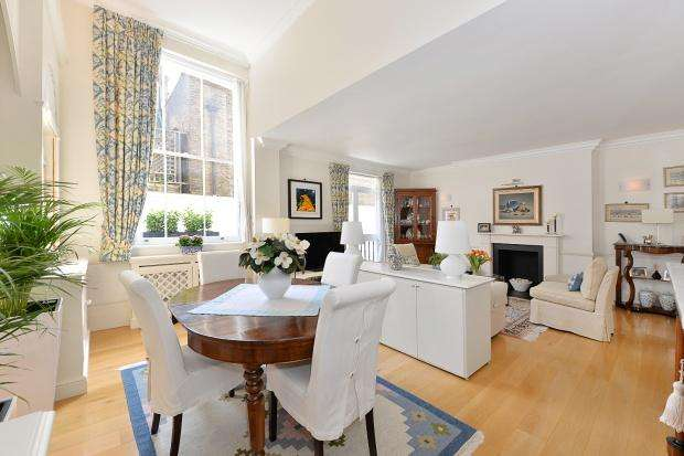 2 Bedrooms Apartment Flat for sale in Queen's Gate Gardens, South Kensington, SW7