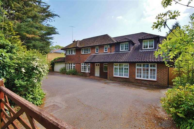 5 Bedrooms Detached House for sale in Leatherhead Road, Oxshott, Surrey, KT22