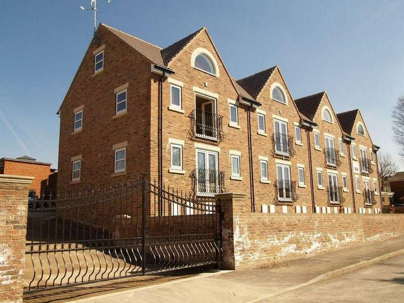 2 Bedrooms Duplex Flat for sale in 8 Abbeyview Heights, Norton Lees Sheffield S8 8RE