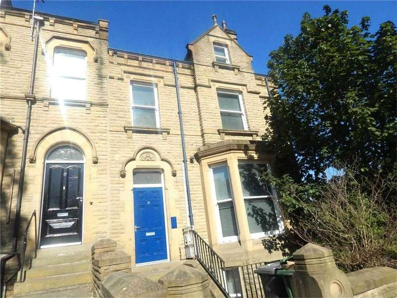 7 Bedrooms House for rent in Belmont Street, Huddersfield, West Yorkshire, HD1