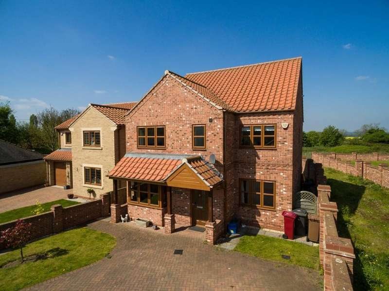 5 Bedrooms Detached House for sale in Vicarage Road, Wrawby, North Lincolnshire