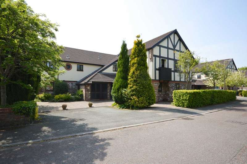 2 Bedrooms Apartment Flat for sale in GLENBOURNE PARK off OGDEN ROAD, Bramhall
