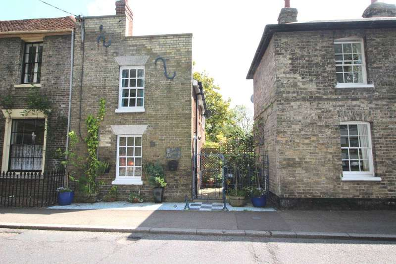 2 Bedrooms Semi Detached House for sale in Bridge Street, Coggeshall