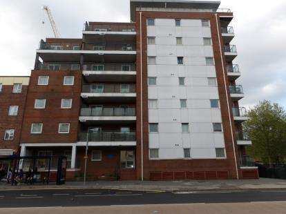 2 Bedrooms Flat for sale in 163 Queen Street, Portsmouth, Hampshire