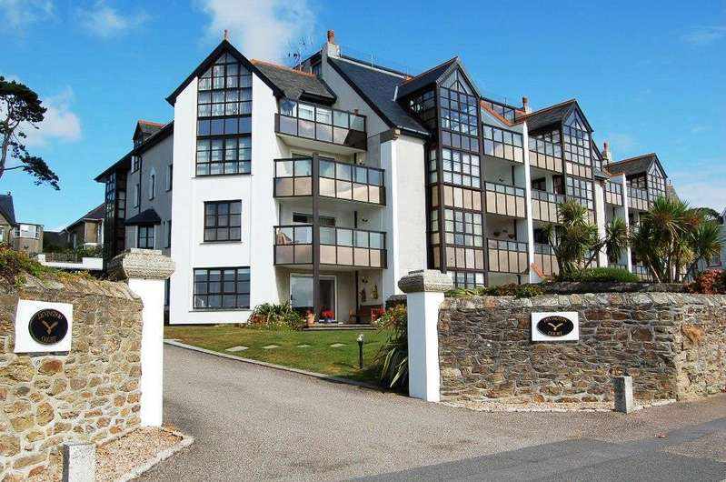 2 Bedrooms Apartment Flat for sale in Devington Court, Falmouth
