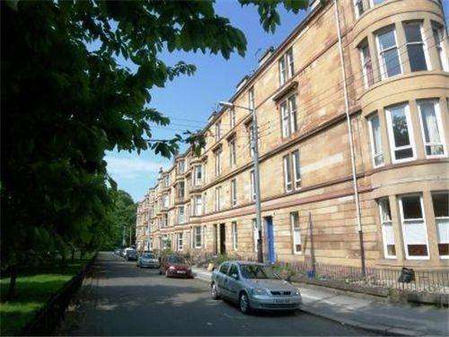 3 Bedrooms Flat for rent in Woodlands Drive, Woodlands, Glasgow
