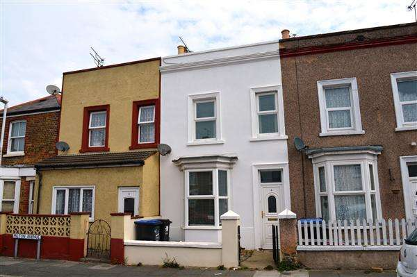2 Bedrooms Terraced House for sale in Milton Avenue, Kent