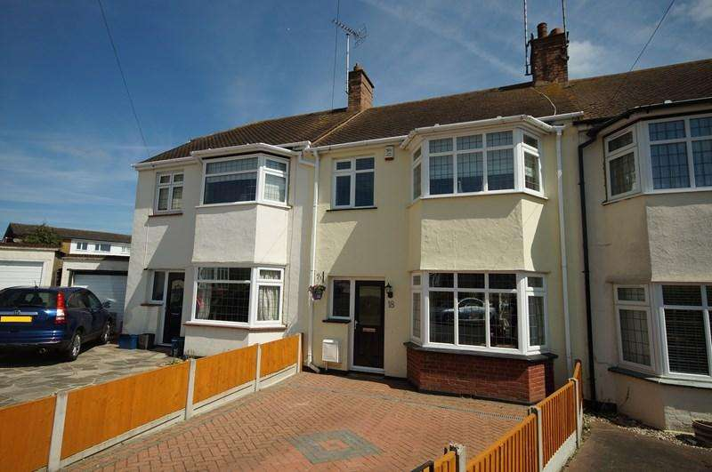 3 Bedrooms Terraced House for sale in Irvington Close, Leigh-On-Sea