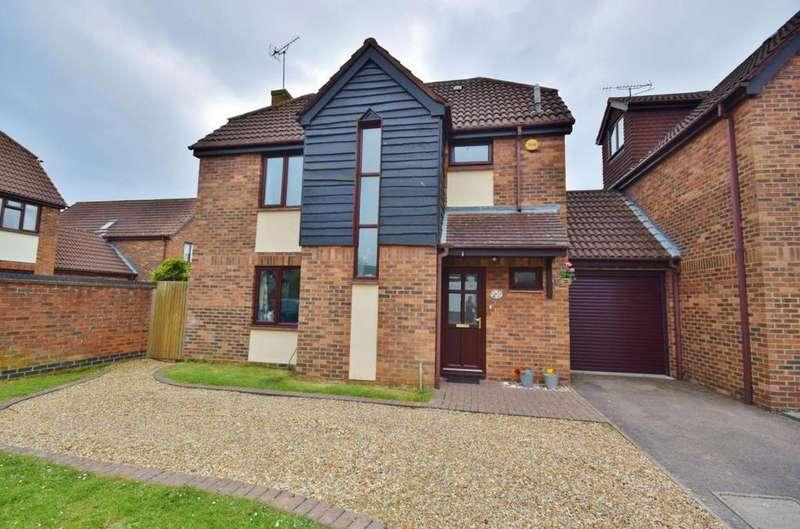 4 Bedrooms Link Detached House for sale in Lychpit, Basingstoke, RG24