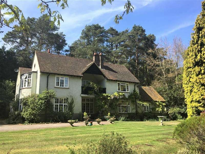 5 Bedrooms Detached House for sale in Tilford Road, Tilford, Farnham