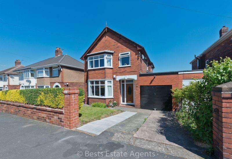 3 Bedrooms Detached House for sale in Norleane Crescent, Runcorn