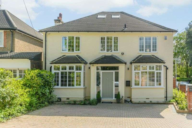 4 Bedrooms Detached House for sale in Hills Lane, Northwood