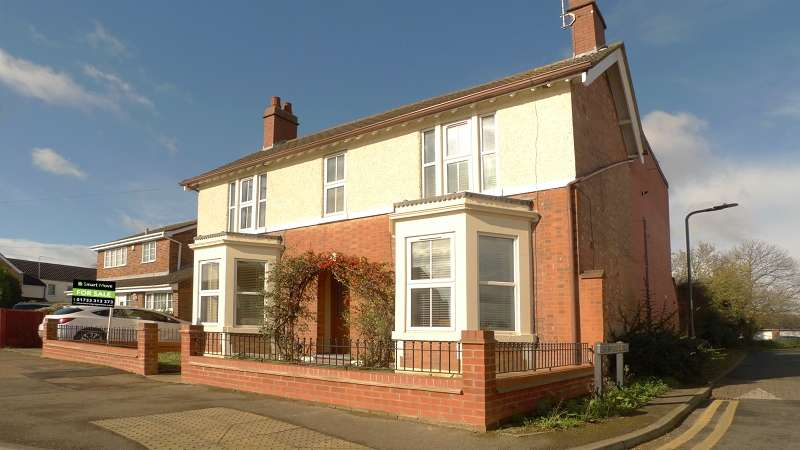 4 Bedrooms Detached House for sale in Garton End Road, Peterborough, Cambridgeshire. PE1 4EZ