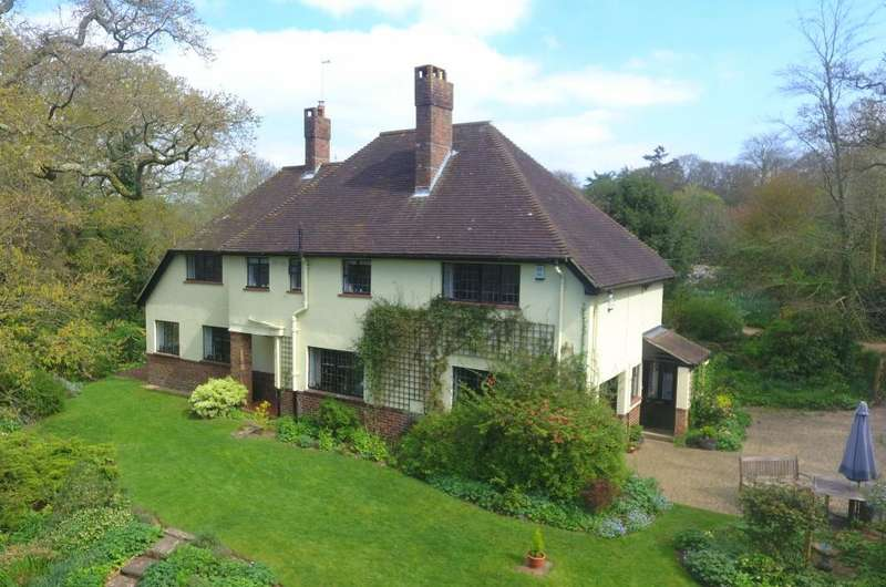 5 Bedrooms Detached House for sale in NEW FOREST NATIONAL PARK, Ringwood, BH24 3DQ