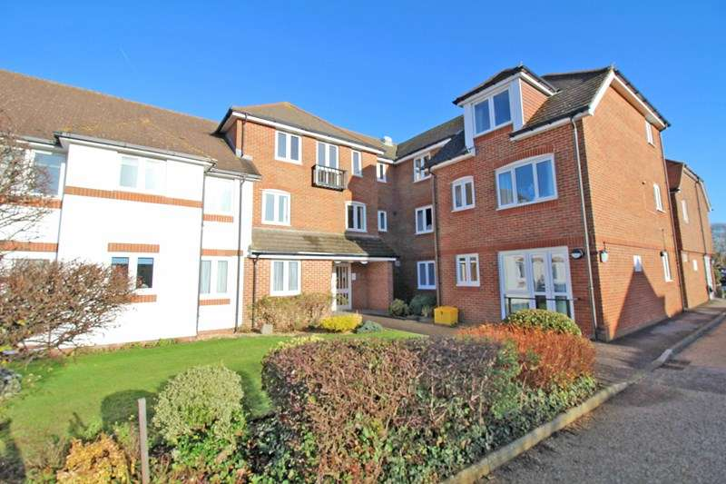 2 Bedrooms Retirement Property for sale in Sea Road, Milford On Sea, Lymington