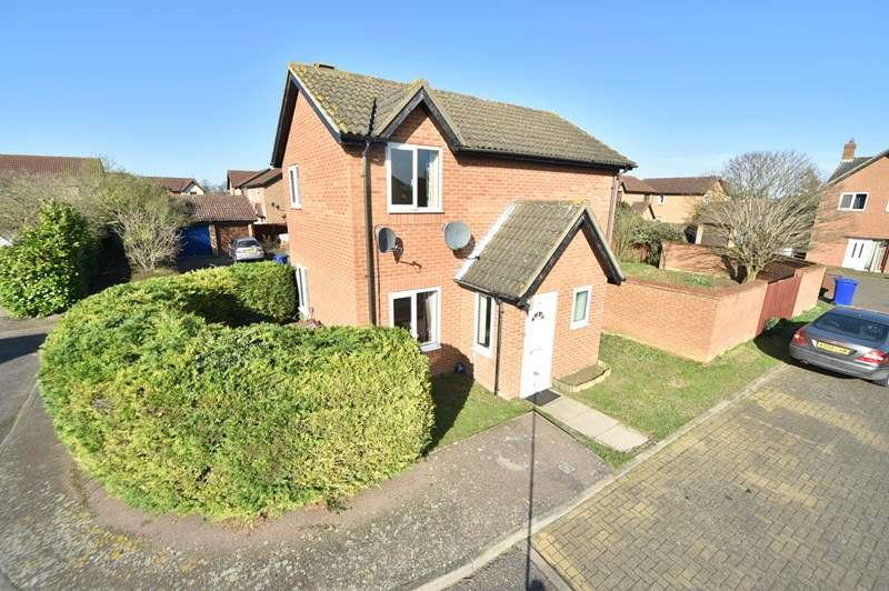 3 Bedrooms Detached House for sale in Jim Mollison Court, Mildenhall, Bury St. Edmunds