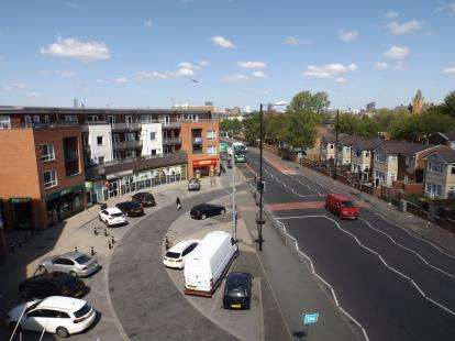 2 Bedrooms Flat for sale in Stockport Road, Manchester, Greater Manchester