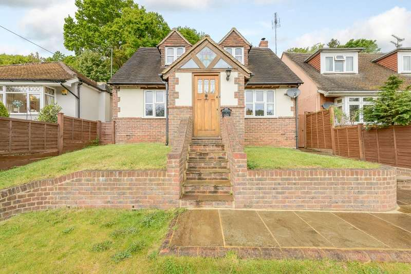 4 Bedrooms Detached Bungalow for sale in Godalming