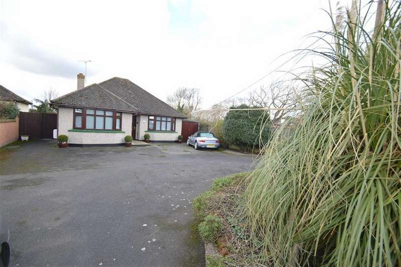 2 Bedrooms Detached Bungalow for sale in Stambridge Road, Great Stambridge, Essex