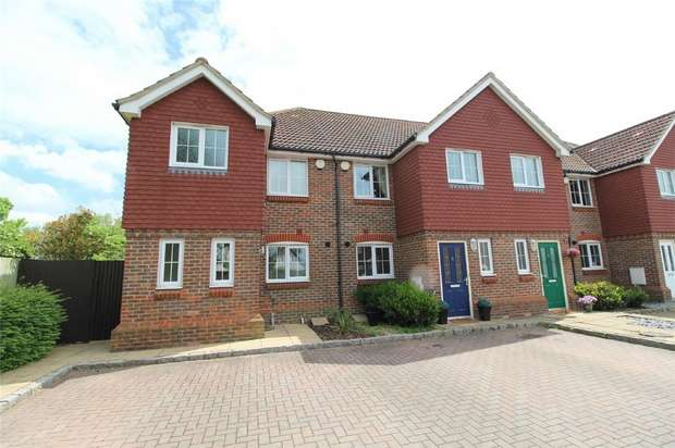 3 Bedrooms End Of Terrace House for sale in Kingswood Close, Ashford, Surrey