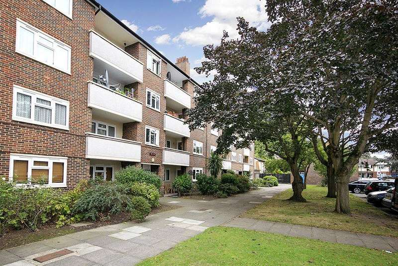2 Bedrooms Flat for sale in Brick Farm Close, Kew, Richmond, Surrey, TW9