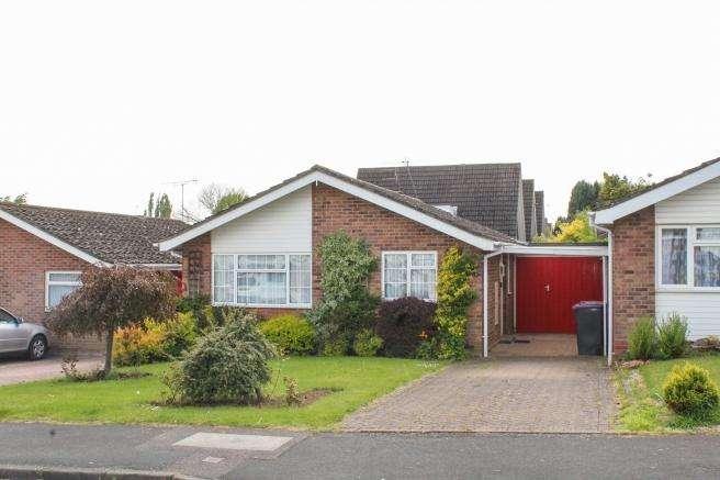 2 Bedrooms Detached Bungalow for sale in 6 Avondale, Newport, Shropshire, TF10 7LP