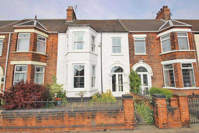 3 Bedrooms Terraced House for sale in GRIMSBY ROAD, CLEETHORPES