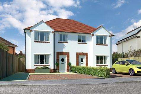 3 Bedrooms Semi Detached House for sale in Hamworthy, Poole, Dorset, BH15