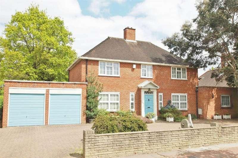 5 Bedrooms Detached House for sale in Wickham Way, Park Langley, Beckenham