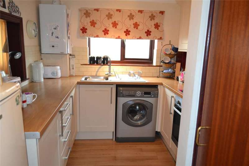 3 Bedrooms Flat for sale in Market Court, Hayle