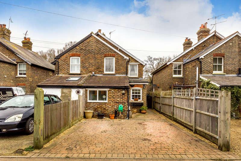 3 Bedrooms Semi Detached House for sale in Hilders Lane, Edenbridge, TN8