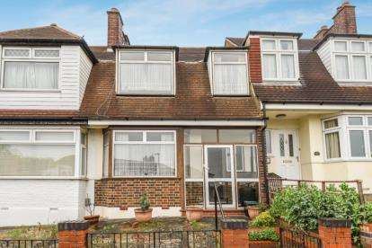3 Bedrooms Terraced House for sale in Hillcrest Road, Bromley