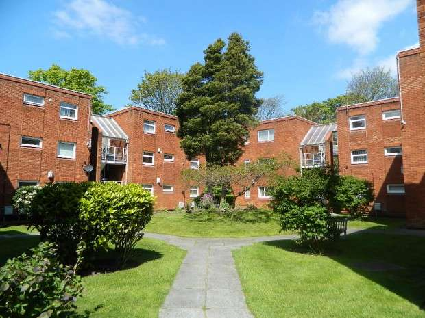 2 Bedrooms Apartment Flat for sale in Haymans Green, West Derby, Liverpool, L12