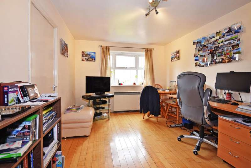1 Bedroom House for sale in Henry Doulton Drive, Tooting Bec
